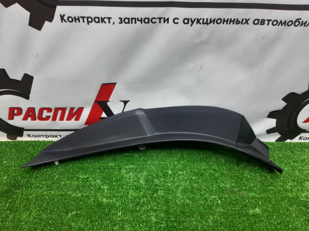 Накладка крышки багажника левая Toyota Harrier 2006 GSU35W 2GRFE Красноярск фото 1