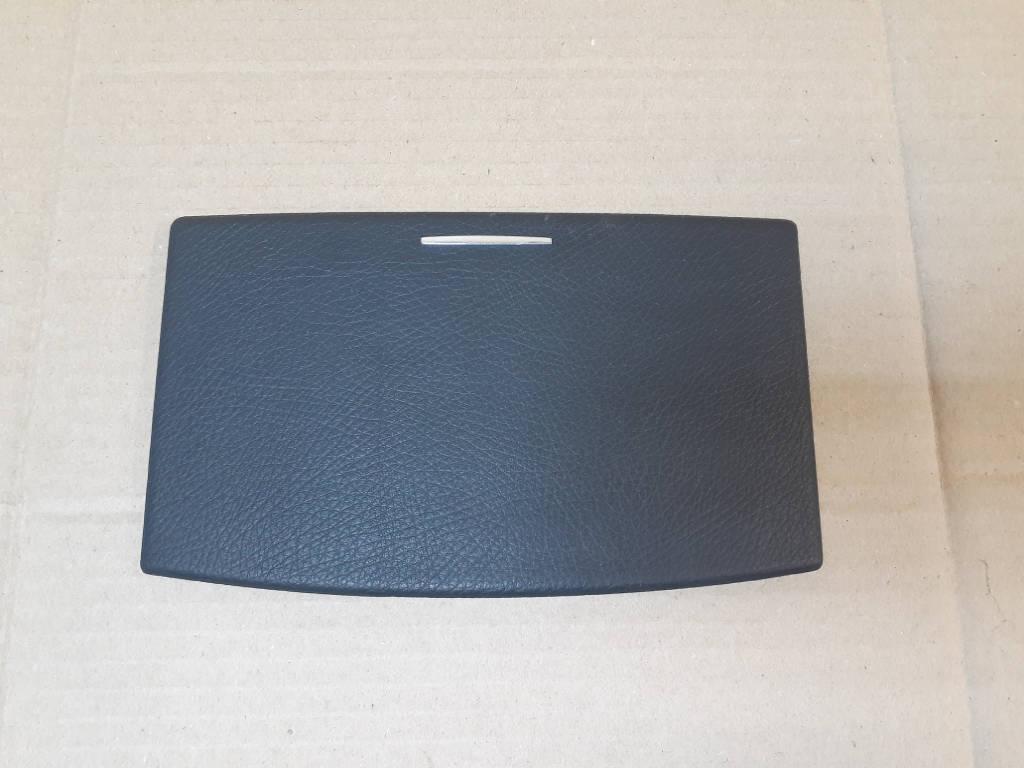 Крышка бардачка Mercedes W221 S500 M273.961