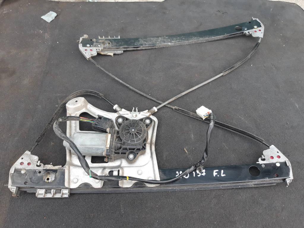 Стеклоподъемный механизм левый передний A2207200346 Mercedes-Benz S-Class 2000 W220 M137 E58